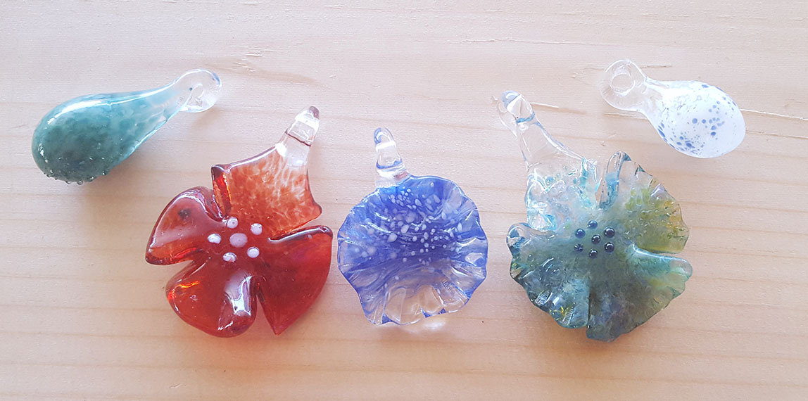 Make glass flower pendants at Pittsburgh Glass Center