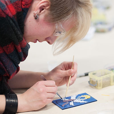 Make Christmas ornaments at Pittsburgh Glass Center