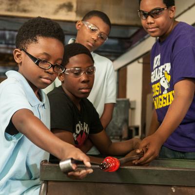 Garfield neighborhood youth at Pittsburgh Glass Center