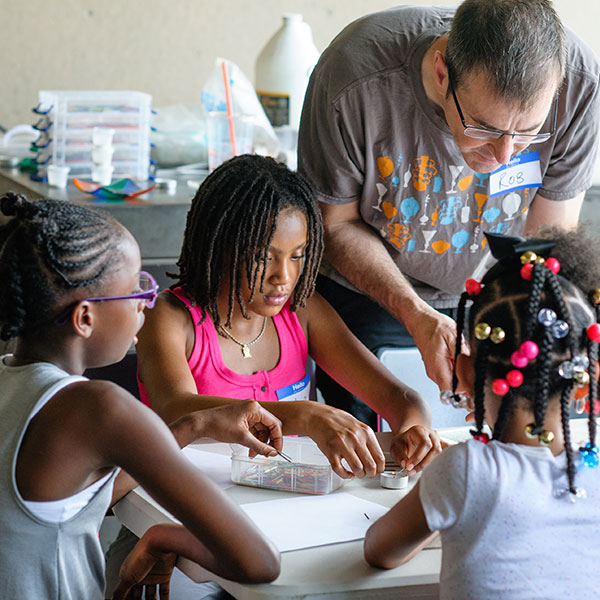 Community programs at Pittsburgh Glass Center