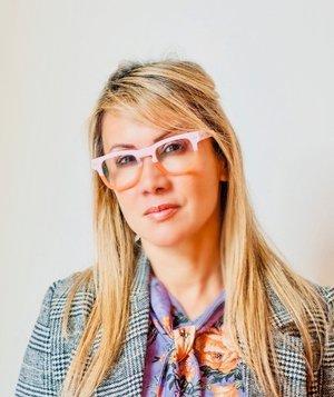 Curator Johanna Lasner